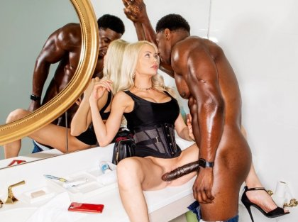 Riley Steele - Sexy Blonde On A Date | artporn 365 days video in hd 720p