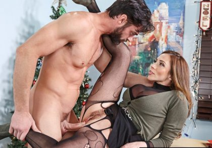 Ariella Ferrera - Happy Holiday Fucking! | mp4 porn video on mobile phone