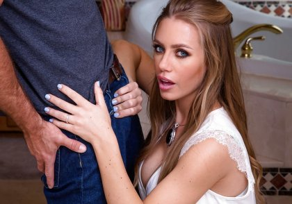 Nicole Aniston - Nicole's Big Secret | artporn 365 days video in hd 720p